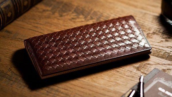 イタリアンレザーを使った編み込みメンズ長財布
