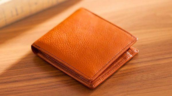 全面ミネルバボックス仕立てのメンズ二つ折り財布