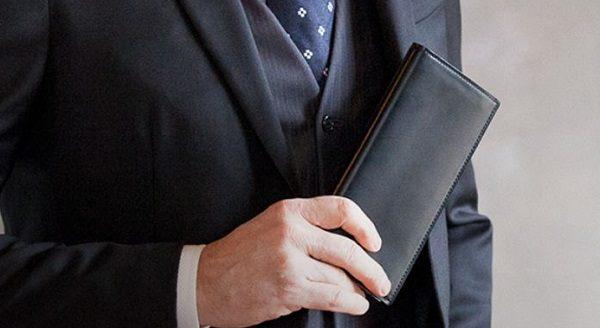 こちらのコードバン長財布おすすめの逸品です!