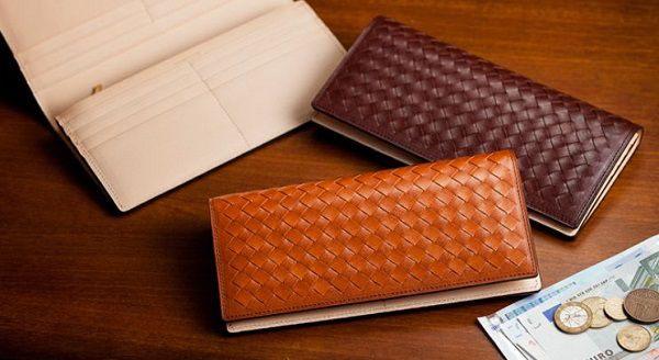 高級感のある編み込みメンズ長財布