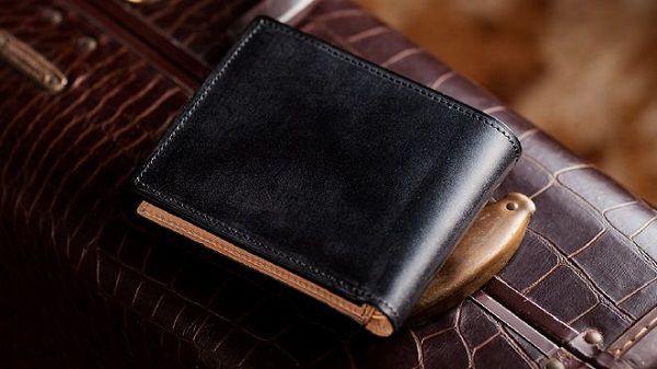 安い!とすら感じるブライドルレザー二つ折り財布
