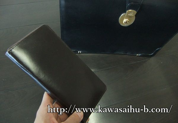 ブライドルレザーを使った財布と鞄