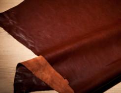 長く使える革財布は、革の種類と特徴で選ぶのがポイントです