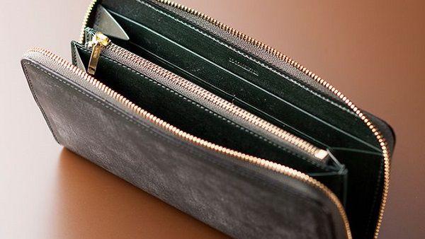 スーツとの相性が抜群に良い最上級のラウンドファスナー長財布です