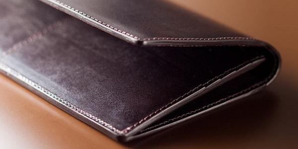全面ブライドルレザー仕立てのメンズ長財布です