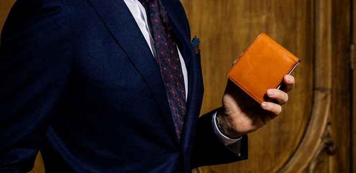 使い慣れた財布と同じ形の財布を選ぶ