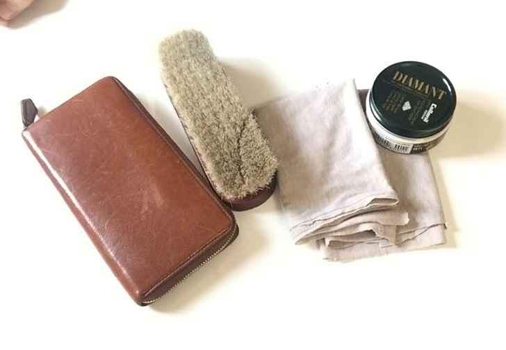 革財布の傷を直す手入れ用品